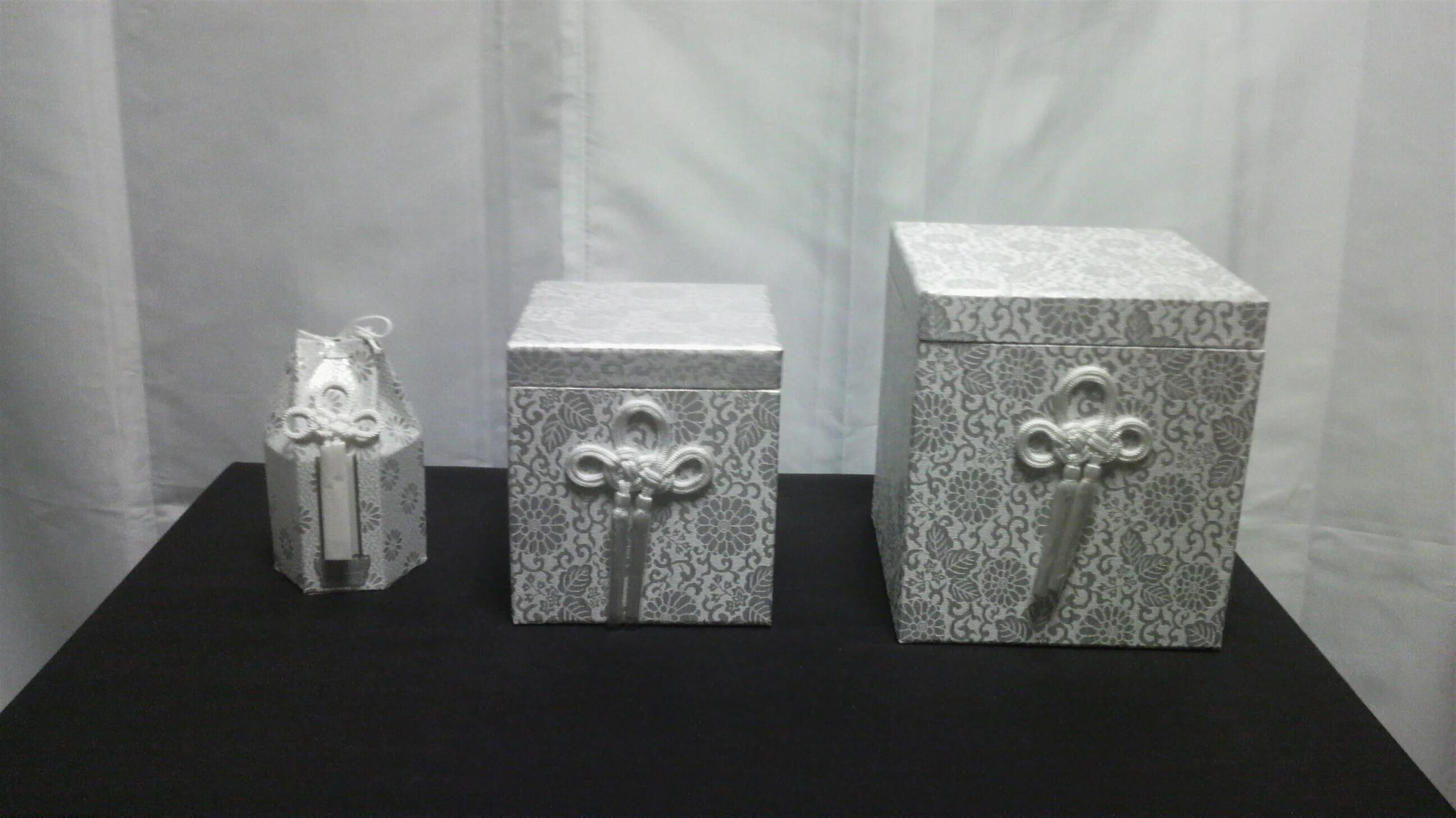 骨壺 (1)